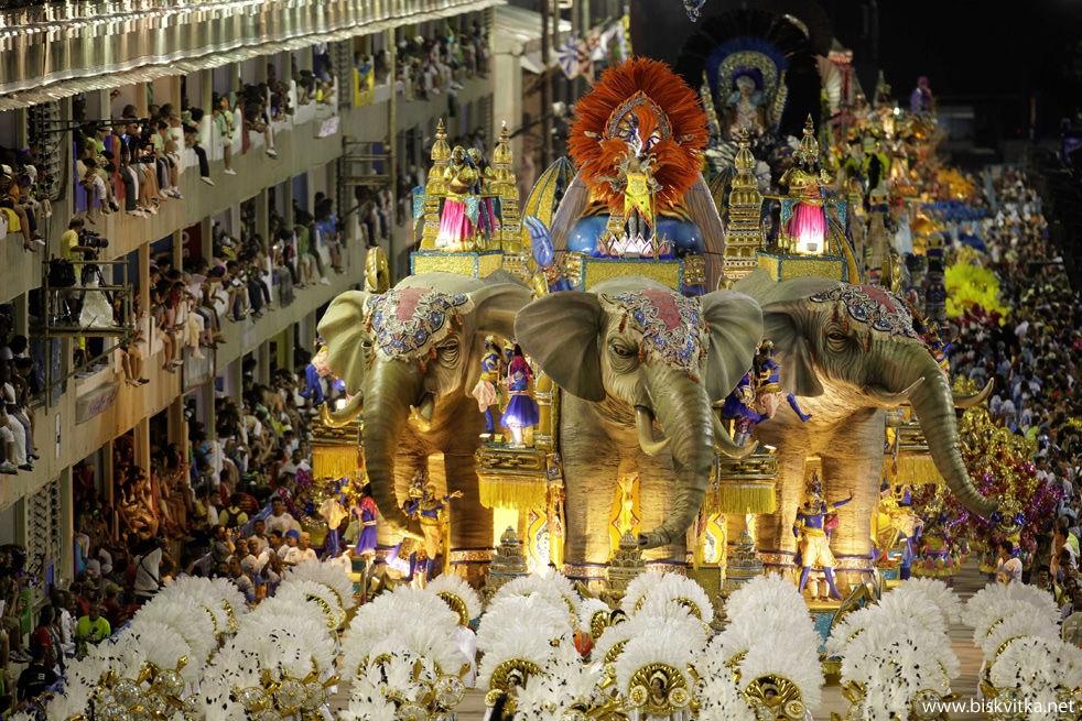 1299594005_spectacular_carnival_in_35