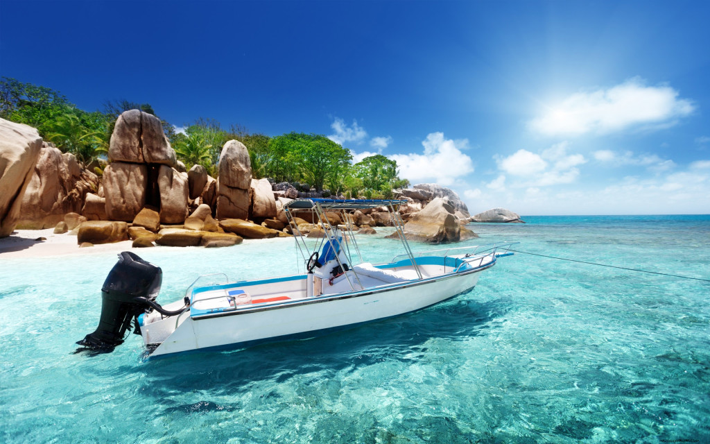 Coco-Island,-Seychelles,-beach,-tropics,-boat,-speedboat-wallpaper