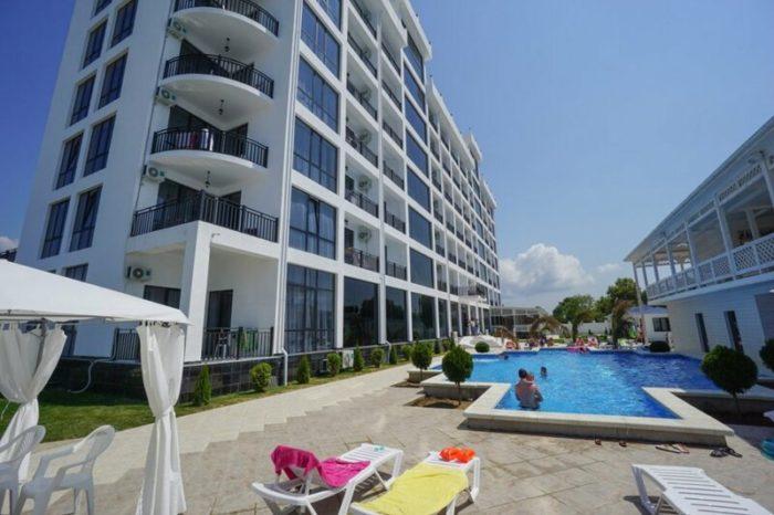 Пицунда, Paradise Beach Hotel 4*